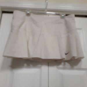 Nike Dri-fit White  Skort Shorts sze XL Tenis/Golf